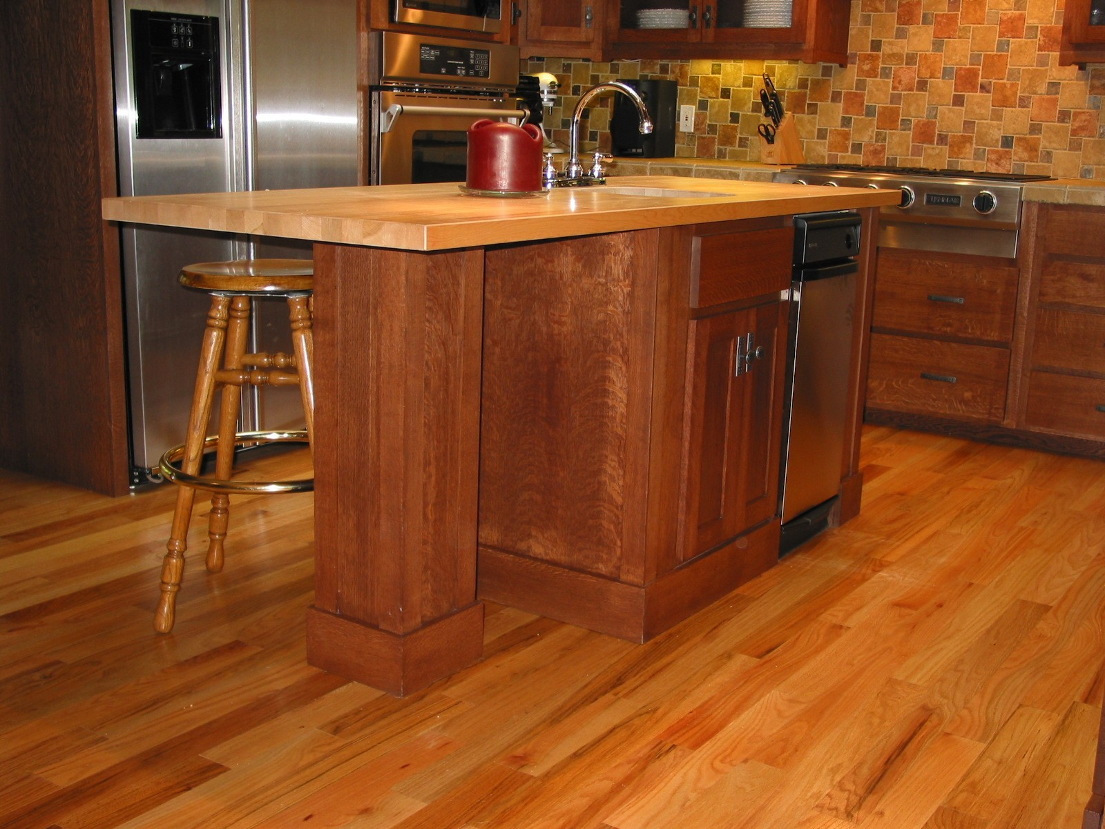 quarter sawn oak-kitchen-island